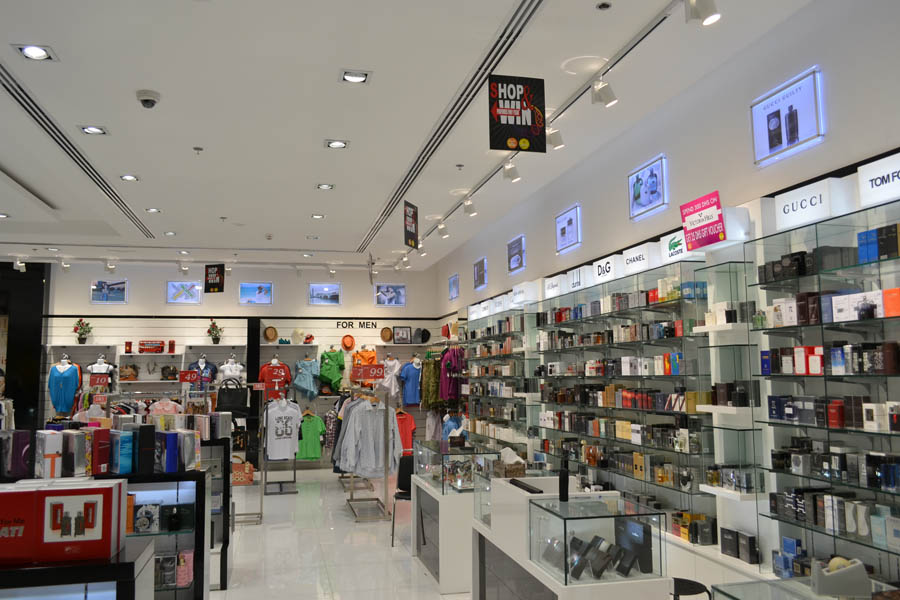 V Brand Gallery Outlet – Dubai Outlet Mall – Dubai